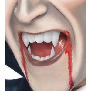 Vampyyrin Hampaat Verellä
